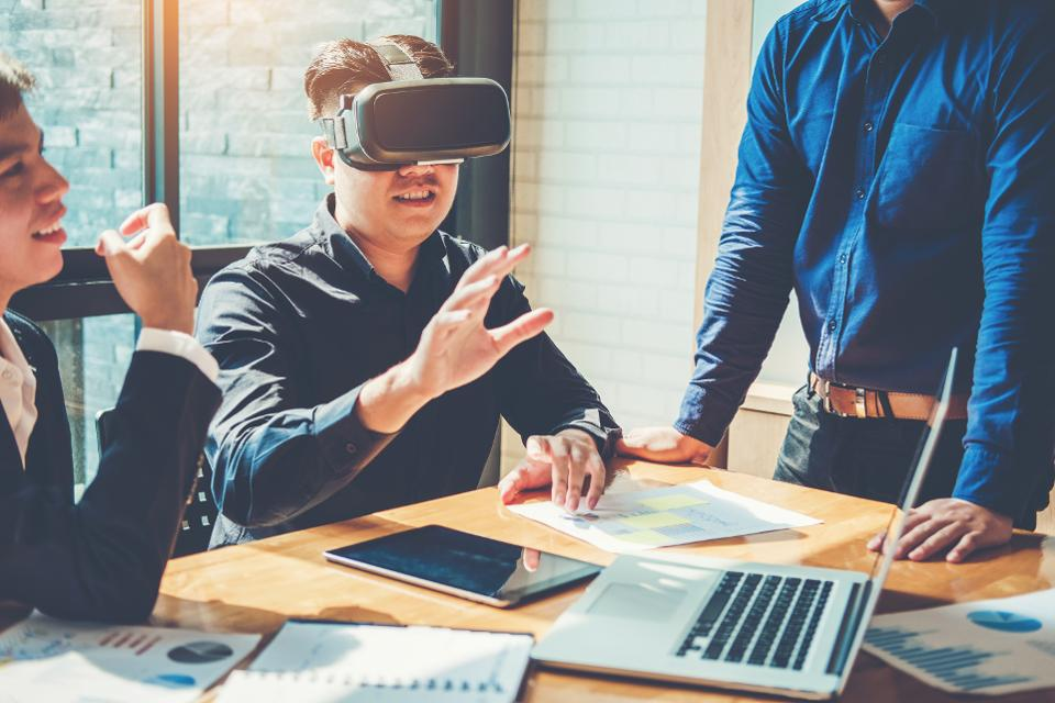 Augmented Reality Plus Live Video Means A Big Impact On Communications